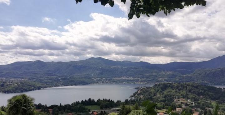 Gozzano: domenica la pulizia delle sponde e dei fondali del lago d'Orta